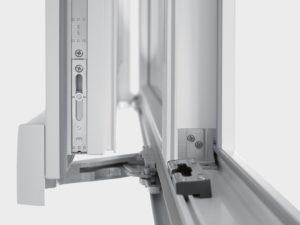 Замена механизма пластикового окна в Калуге